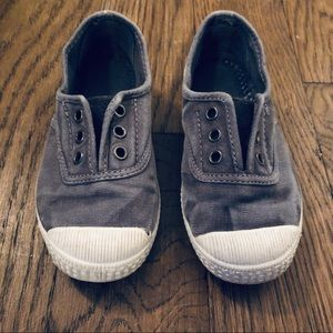 Cienta Distressed Grey Canvas Laceless Sneaker